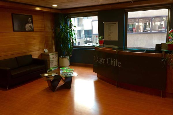 The reception desk of Nielsen's office in Chile